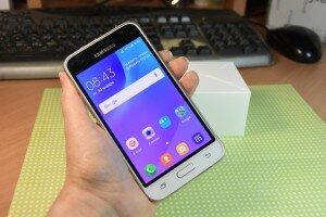 Внешний вид Samsung Galaxy J1 Duos 2016