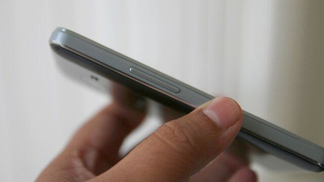 Телефон Samsung Z1 на фото